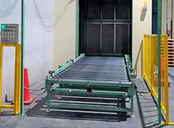 耐荷重1.5t垂直搬送機設置